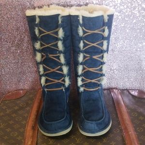 RARE UGG Tall Navy 'Whitley Lace Up Moccasin Boots